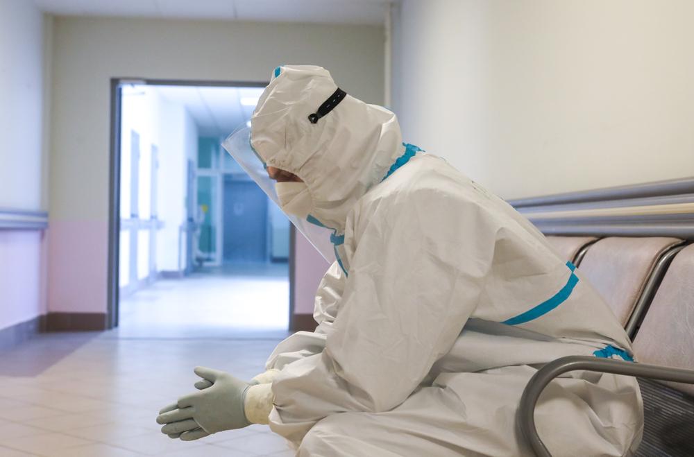 Un medic oftalmolog de la SJU Vaslui, infectat cu SARS-CoV-2, a decedat. Nu era vaccinat