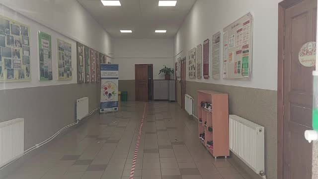 Profesor din Suceava, filmat în timp ce pălmuia un elev. Polițiștii i-au întocmit dosar penal