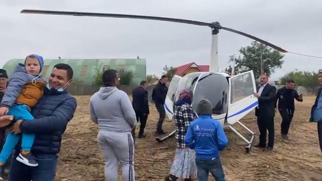 Nuntă extravagantă în Dolj. Primarul unei localități a ajuns la petrecere cu elicopterul